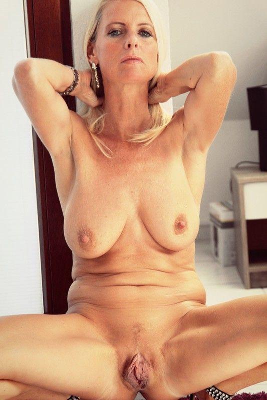 cougar nue escort centre