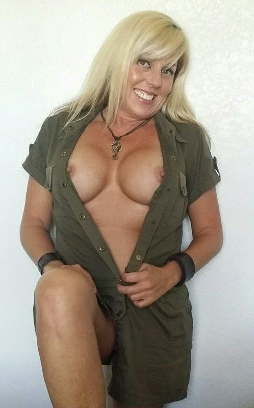 femme nue cougar escort bollene