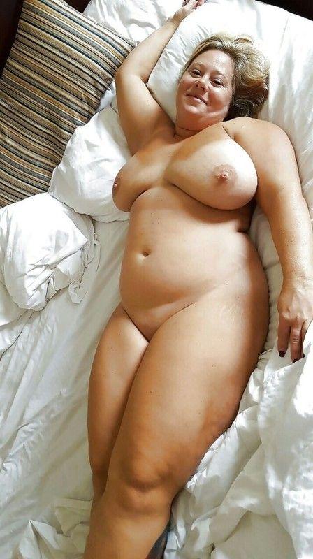 Amateur Hot moms stocking